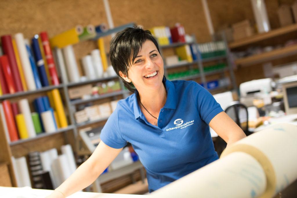 Rosmarie Schauppenlehner bei der Arbeit